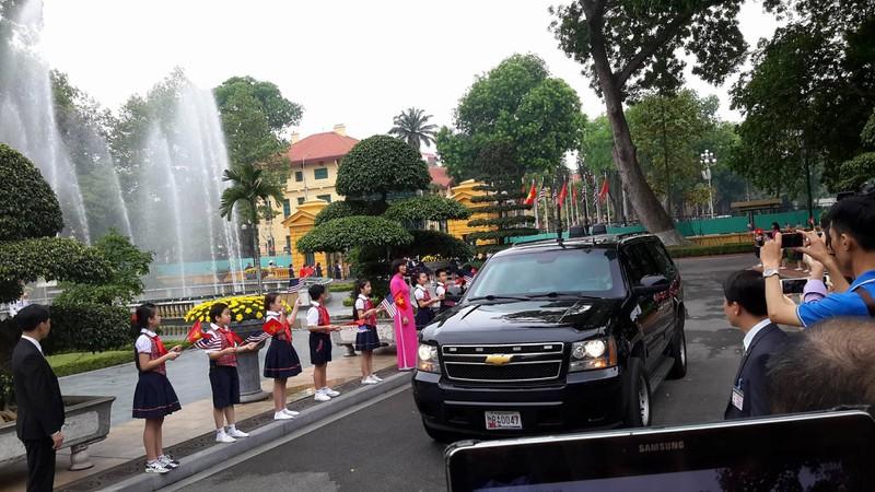 Tổng thống Obama công bố gỡ bỏ cấm vận vũ khí đối với Việt Nam  - ảnh 14