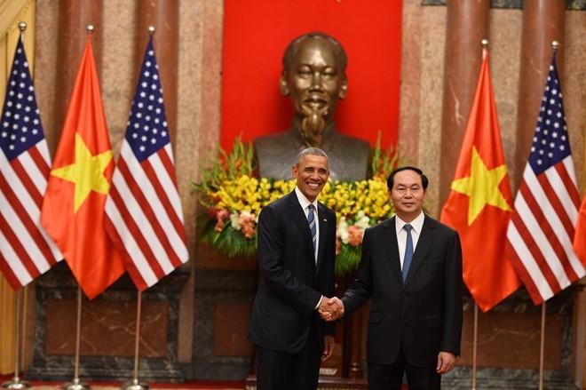 Tổng thống Obama công bố gỡ bỏ cấm vận vũ khí đối với Việt Nam  - ảnh 4