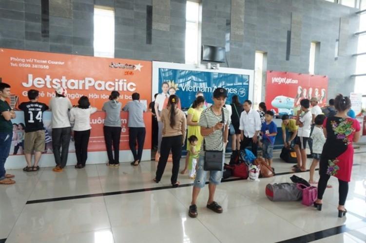 Sân bay Buôn Ma Thuột tê liệt vì hỏng đường băng - ảnh 3