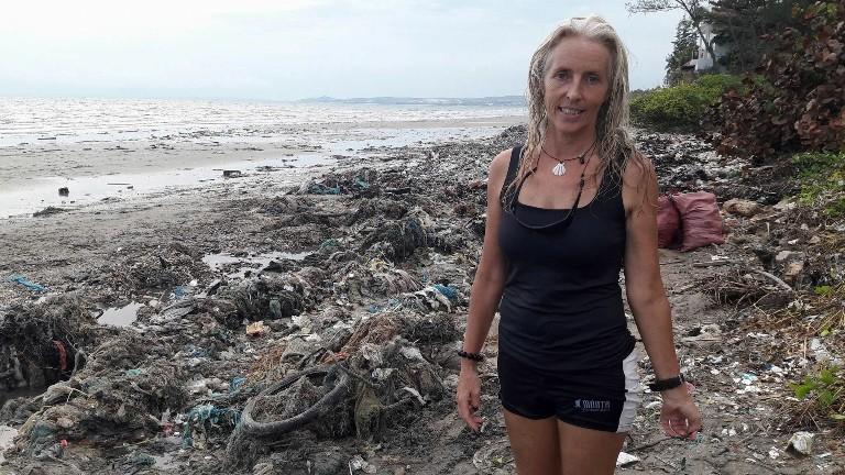 Thêm nhiều lực lượng cùng dọn bãi rác khủng tại Mũi Né - ảnh 4