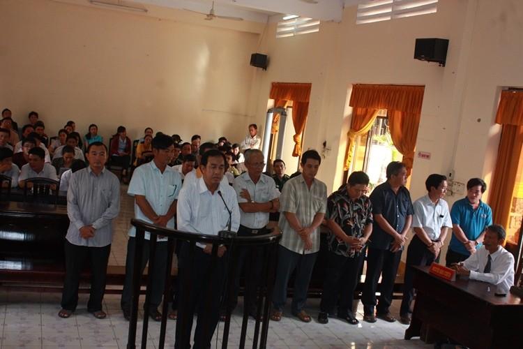 10 cán bộ hải quan Kiên Giang bị đề nghị 5 đến 7 năm tù  - ảnh 1