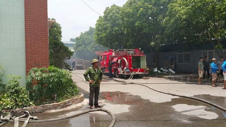 Cháy dữ dội ở xưởng gỗ - ảnh 4