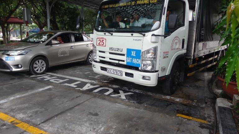 Từ 1-7, thi lái xe trên đường dễ… rớt! - ảnh 11