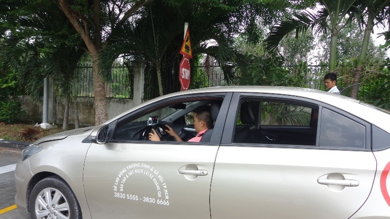 Từ 1-7, thi lái xe trên đường dễ… rớt! - ảnh 8