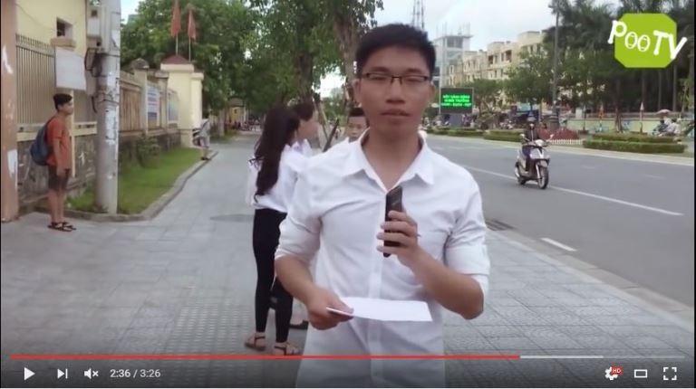 Ảnh cắt từ clip chế giễu kỳ thi