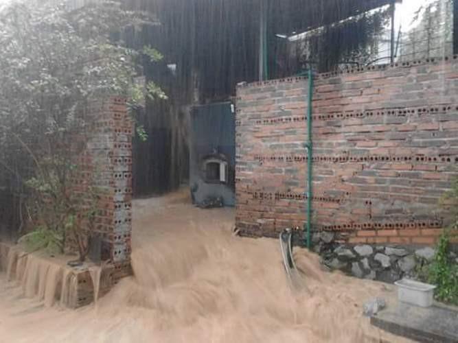 Mưa lớn ở Quảng Ninh: Một người tử vong, một bị thương - ảnh 1
