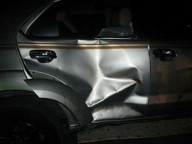 Ô tô bị biến dạng phần cửa sau