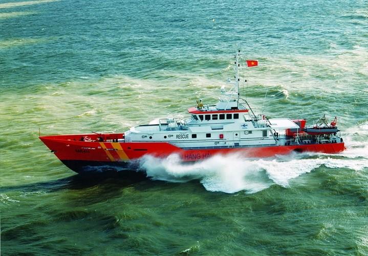 Tàu SAR của Vietnam MRCC đang tìm kiếm trên hiện trường (Vietnam MRCC cung cấp)
