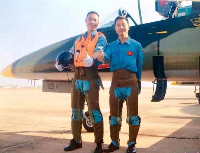Hành động dũng cảm của chiến sĩ phi công trước khi hy sinh  - ảnh 1