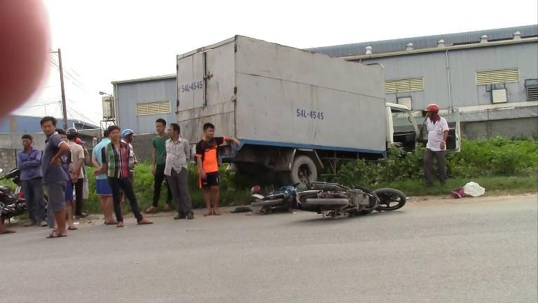 Tài xế 17 tuổi lái xe ủi hàng loạt xe máy, 3 người nguy kịch - ảnh 4