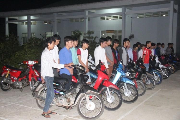 Nhóm thanh thiếu niên đua xe bị bắt