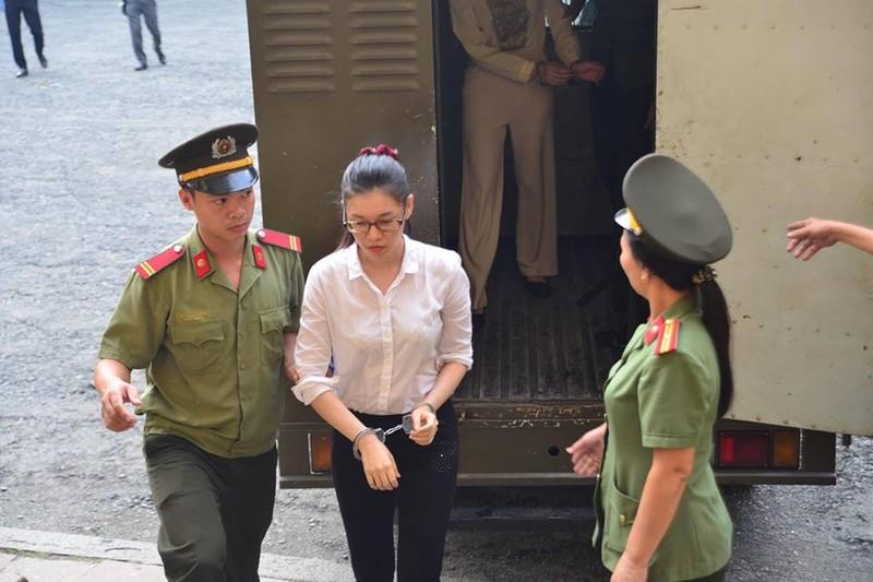 Đồng phạm với Hoa hậu là bà Nguyễn Đức Thùy Dung