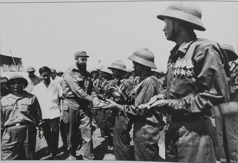 Chào những chiến sĩ thi đua, những anh hùng đánh Mỹ của Quảng Trị.