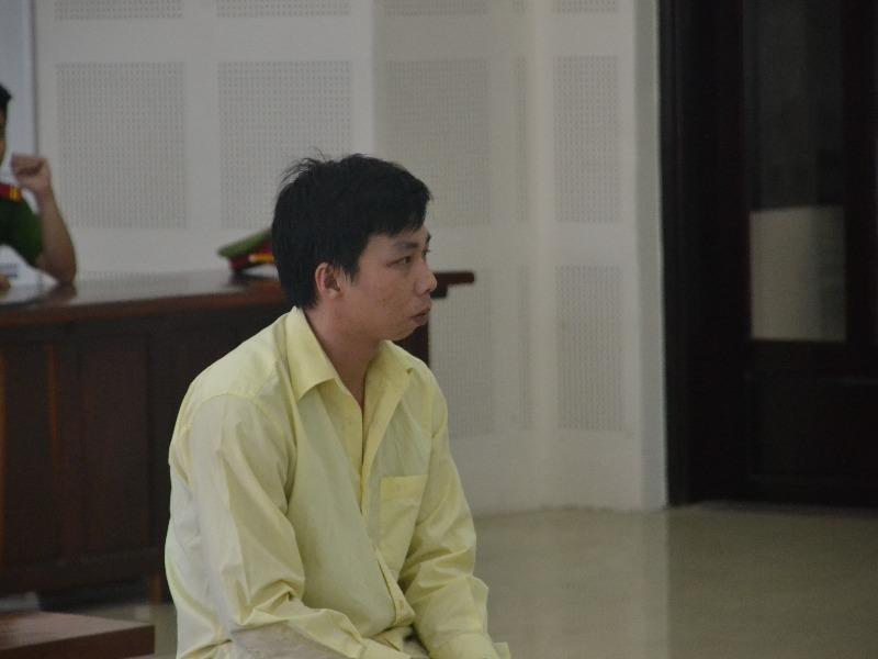 Bị cáo Mạc Văn Nhân hiếp dâm chủ quán lãnh 30 năm tù - ảnh 1
