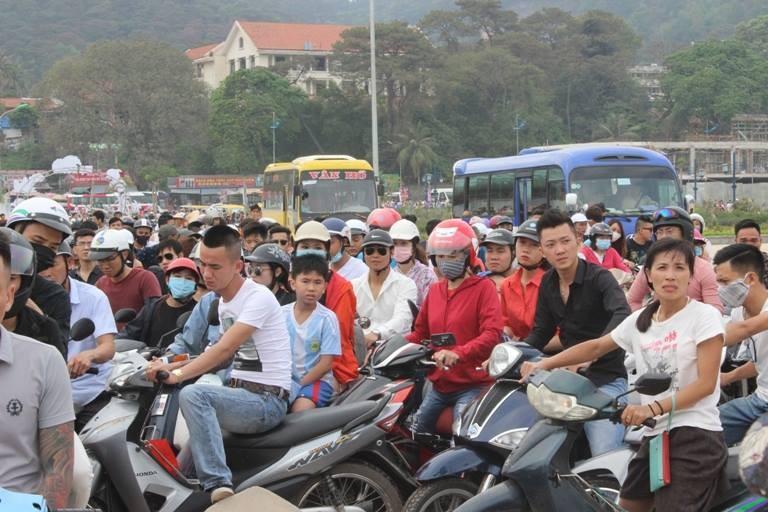 """Cận cảnh Đồ Sơn, Hạ Long """"thất thủ"""" - ảnh 1"""