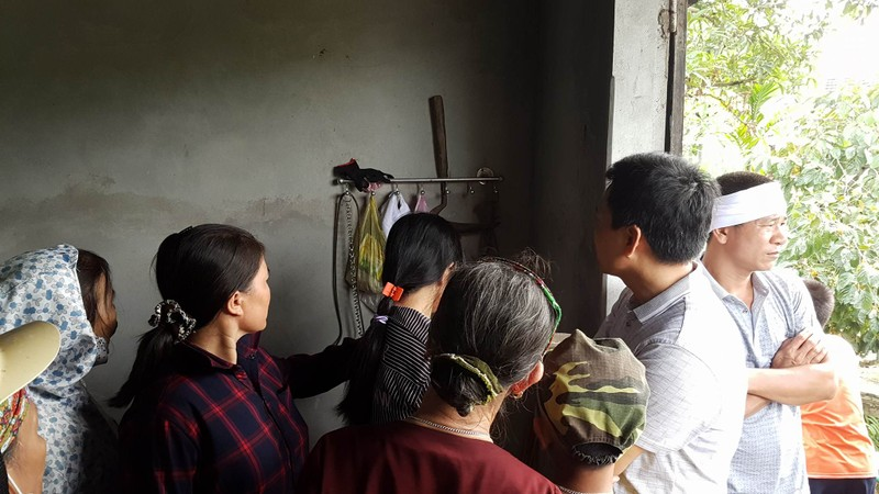 Đám tang 4 bà cháu trong vụ thảm sát Quảng Ninh - ảnh 2