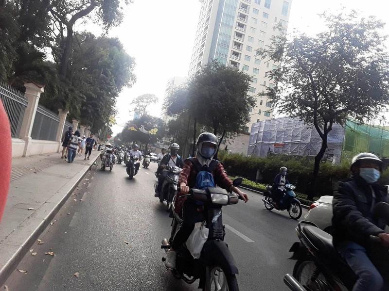 Đường Nguyễn Thị Minh Khai.