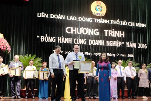 Home Credit: Hai năm liền nhận bằng khen của Liên đoàn Lao động - ảnh 1