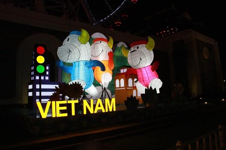 Khoảnh khắc không nên bỏ lỡ tại Lễ hội đèn lồng Asia Park - ảnh 4