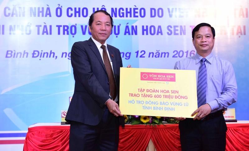Hoa Sen Group hỗ trợ người dân vùng lũ Bình Định  - ảnh 1