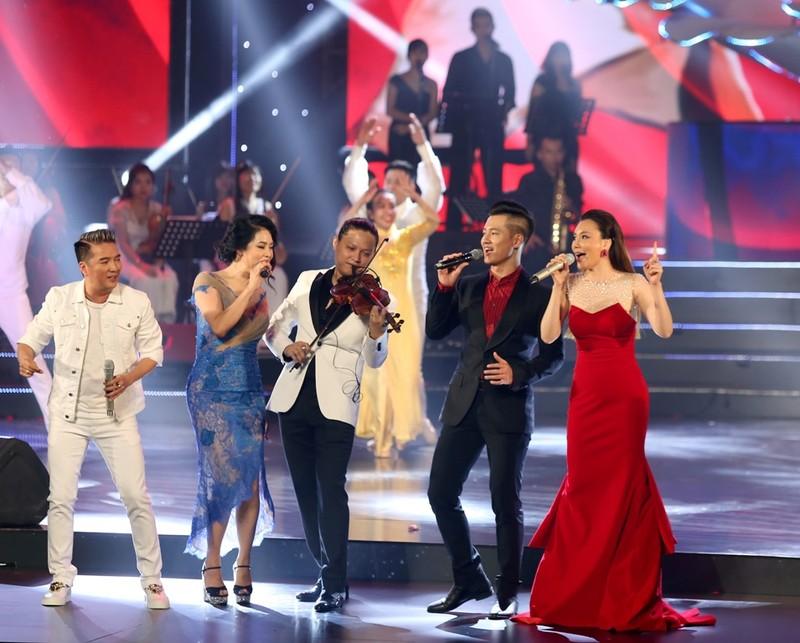 Nghệ sĩ Việt kể chuyện âm nhạc 'Như những đóa hoa' - ảnh 1