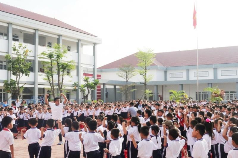 'Giáo dục dinh dưỡng, phát triển thể lực' cho 10.000 em - ảnh 1