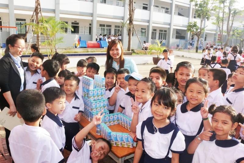'Giáo dục dinh dưỡng, phát triển thể lực' cho 10.000 em - ảnh 2