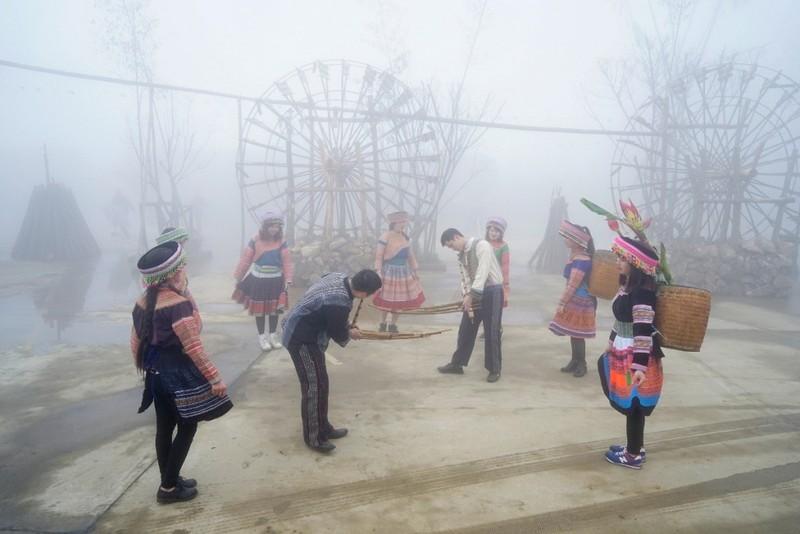 Níu chân du khách bằng văn hóa dân gian - ảnh 1