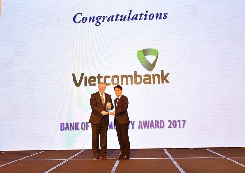 Vietcombank - Ngân hàng vì cộng đồng - ảnh 1