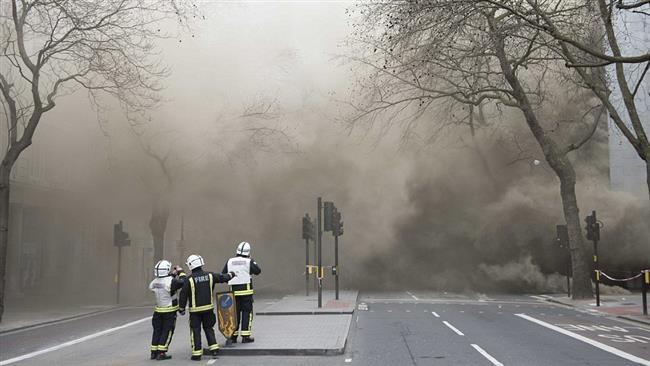 Cháy lớn dưới lòng đất, sơ tán hơn 2.000 người  - ảnh 2