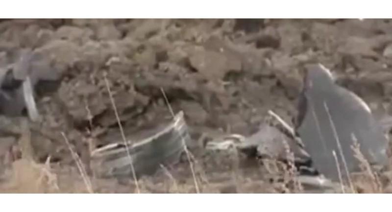 UFO phát nổ trên trời Nga để lại cột khói đen - ảnh 1