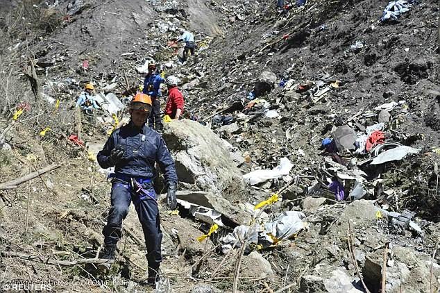 Thảm kịch Germanwings: Máy bay bị hack chứ không phải do cơ phó? - ảnh 2
