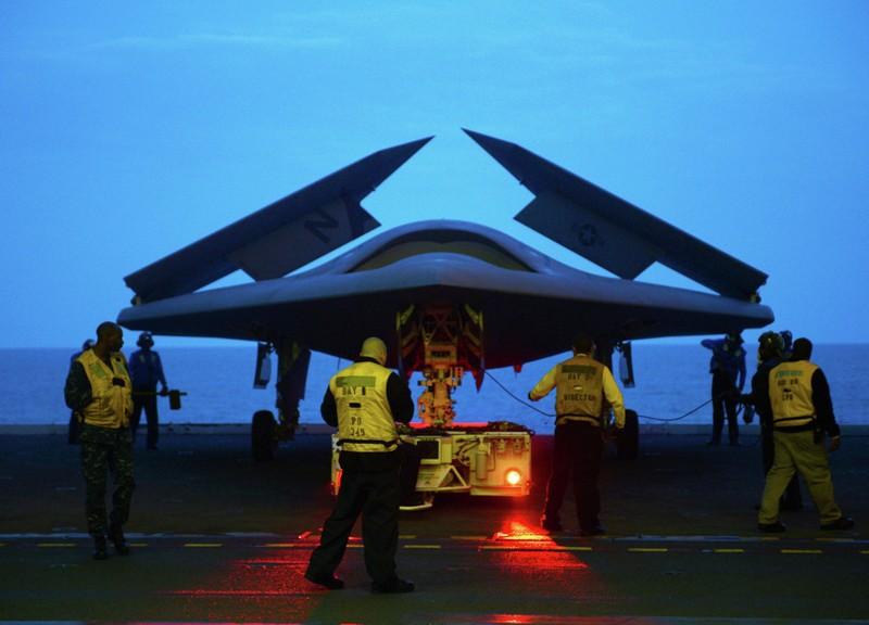 Lần đầu tiên trong lịch sử máy bay Mỹ tiếp nhiên liệu trên không  - ảnh 2
