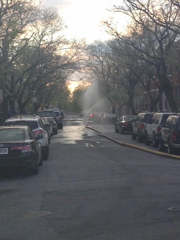 Mỹ tuyên bố tình trạng khẩn cấp vì 'bão' bạo động  - ảnh 6
