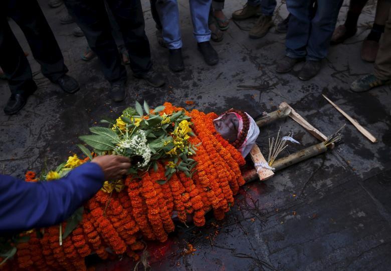 Nepal tuyên bố quốc tang 3 ngày: Cả thế giới cúi đầu chia buồn - ảnh 1