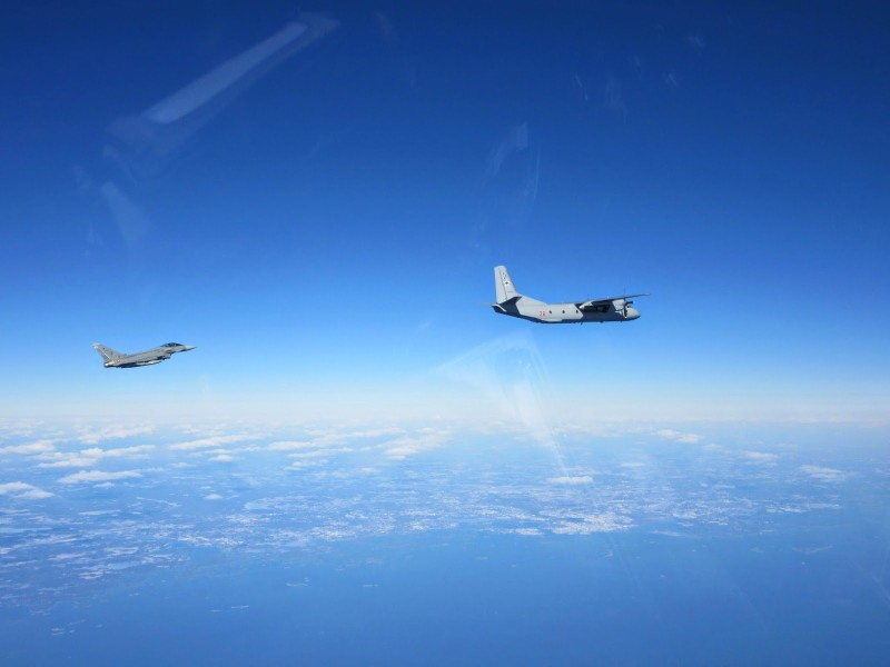 Máy bay chiến đấu Tây Ban Nha và Nga 'chạm mặt' trên biển Baltic - ảnh 1