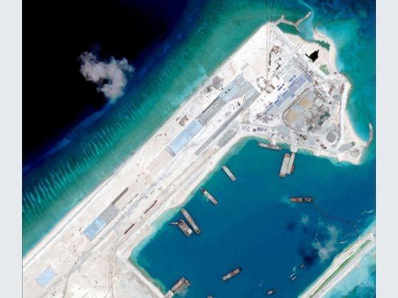 Trung Quốc 'hoan nghênh' Mỹ sử dụng các cơ sở dân sự ở Biển Đông - ảnh 1