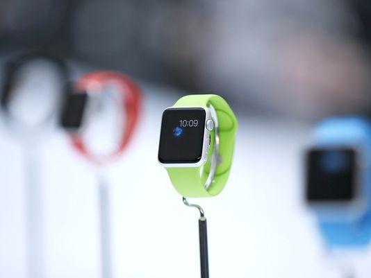 Cảnh báo đồng hồ đeo tay thông minh có thể ảnh hưởng an ninh quân sự - ảnh 1