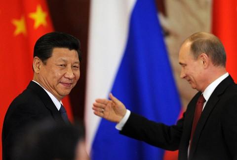 Liên minh Nga-Trung - kỳ 3: Nỗi sợ 'ông kẹ da vàng' nguy hiểm - ảnh 1