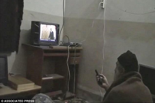 Kho 'phim nóng' khổng lồ trong hầm trú ẩn của Bin Laden - ảnh 1
