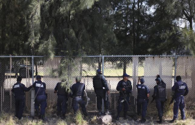 Cảnh sát và băng đảng ma túy đấu súng: ít nhất 44 người thiệt mạng - ảnh 1