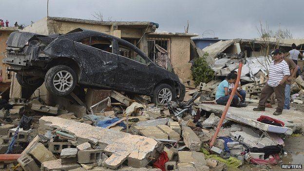 Lốc xoáy lớn giết chết ít nhất 13 người - ảnh 2