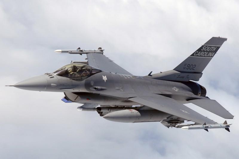 Yemen bắn phá F16 nghi là của Isreal - ảnh 1