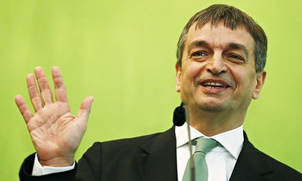 Ai sẽ là người kế nhiệm chủ tịch FIFA? - ảnh 7