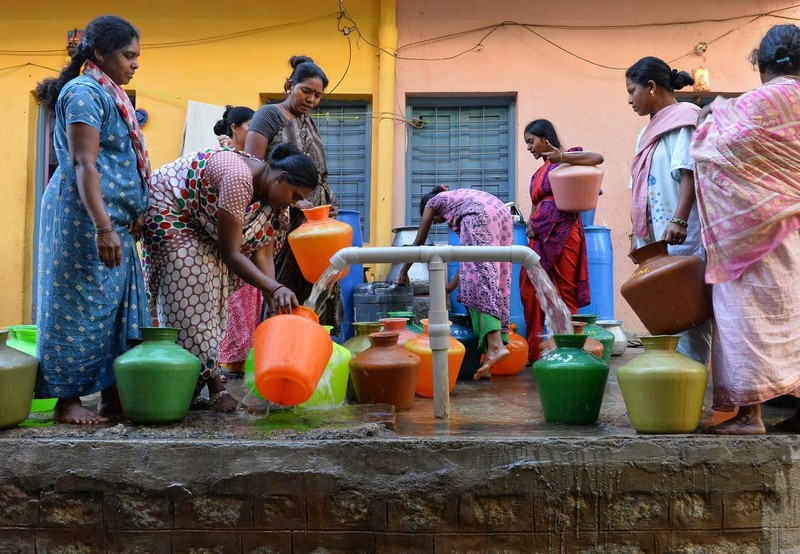 Cưới nhiều vợ để...có người gánh nước cho gia đình - ảnh 2