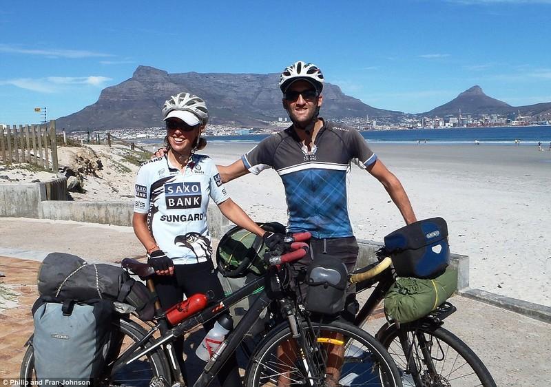 Cặp đôi du ngoạn bằng xe đạp từ Trung Quốc đến tận cùng Nam Phi - ảnh 1