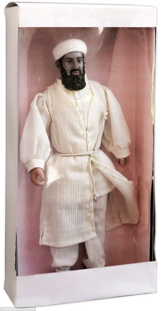 CIA trình làng 'Osama bin Laden mặt đỏ' doạ con nít - ảnh 2