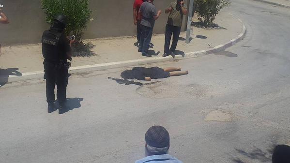 IS xả súng kinh hoàng: 39 người chết - ảnh 2