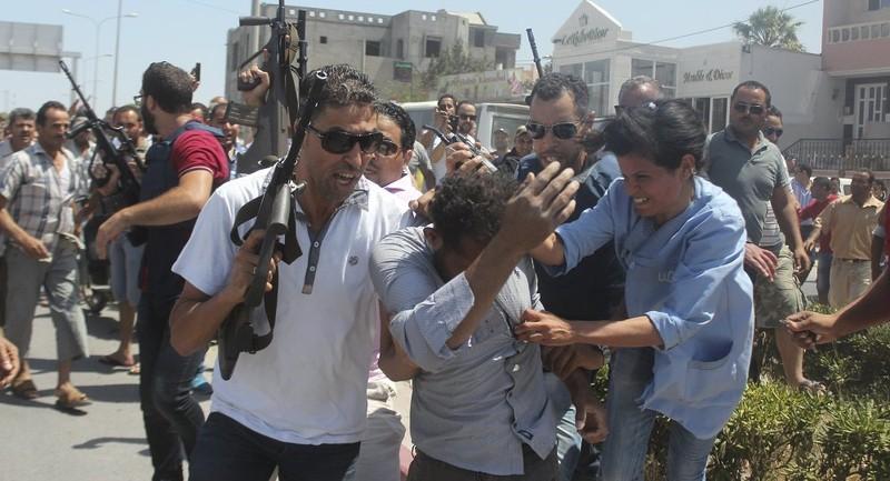 IS xả súng kinh hoàng: 39 người chết - ảnh 1