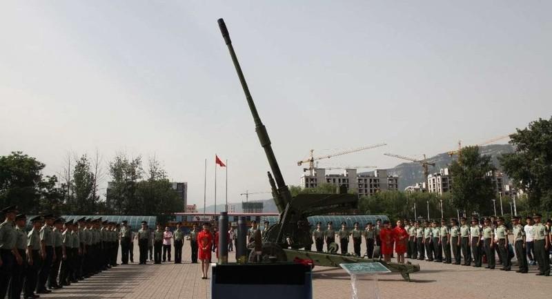 Trung Quốc chế tạo pháo xe tăng nhanh nhất thế giới - ảnh 1